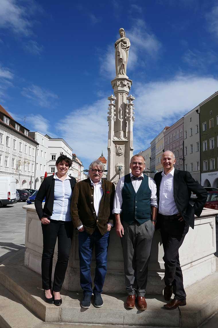 Gruppenfoto der Rechtsanwaltskanzlei Jehle & Kollegen aus Neuötting